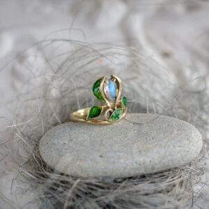 """Золотое кольцо """"РЕНЕ"""" с лунным камнем и горячей эмалью"""