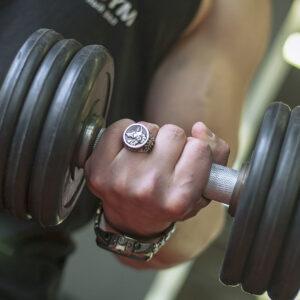 Мужская серебряная печатка с изумрудом