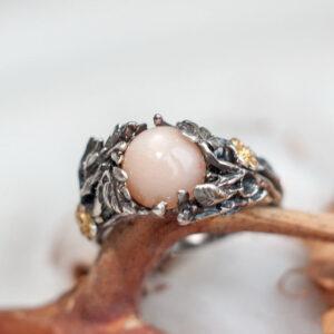 Серебряное кольцо с полевым шпатом
