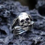 Серебряное мужское кольцо с черепом