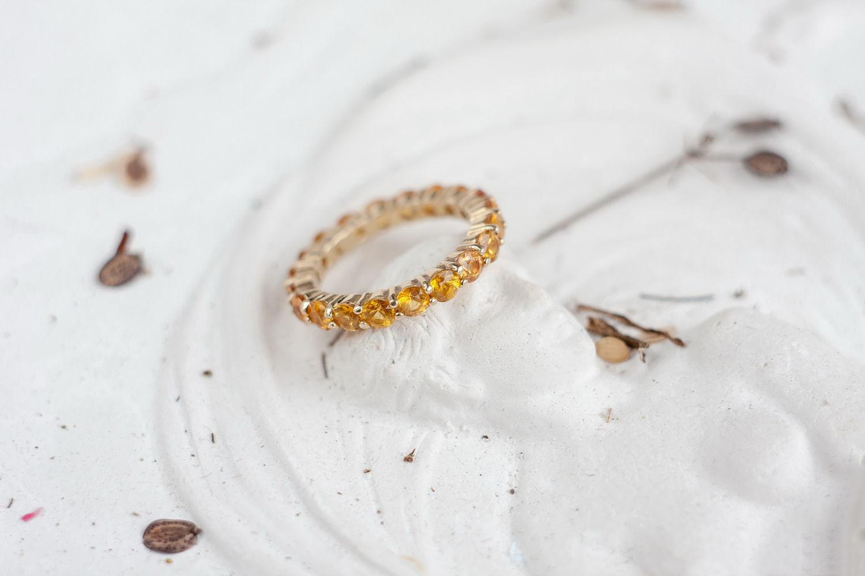 Золотое кольцо с жёлтыми сапфирами «Джульетта»