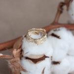 Дизайнерское золотое кольцо с лунным камнем