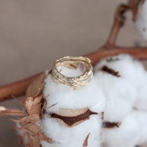 """Золотое кольцо с лунным камнем """"Николь"""" желтое золото"""