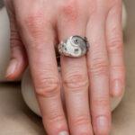Кольцо из серебра с гранатом и аметистом