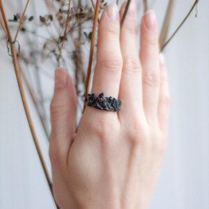 Фэнтезийное кольцо из серебра с природными цитринами