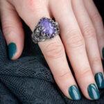 Массивное кольцо из серебра с чароитом