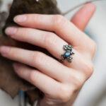 Нежное кольцо из серебра с топазом