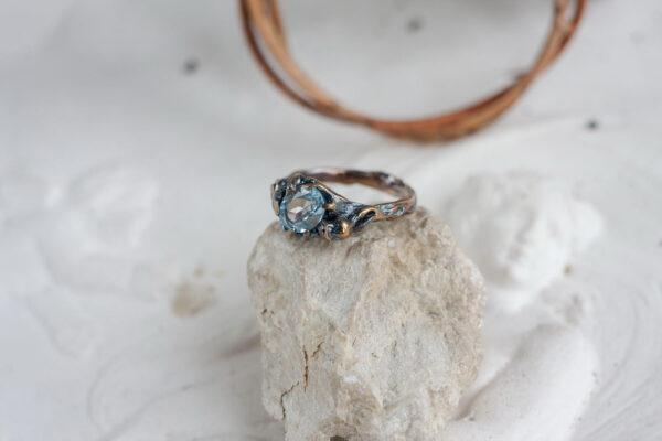 """Помолвочное кольцо """"ANGELA RIPPON"""" с топазом и позолотой"""