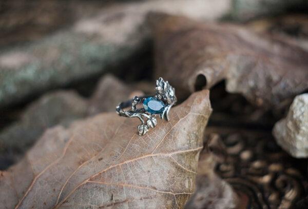 Эльфийское кольцо из серебра с топазом