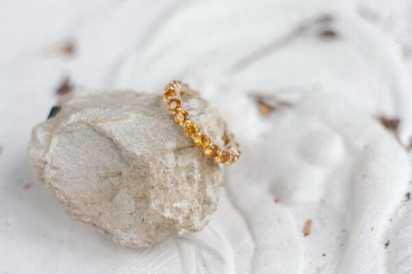 Помолвочное кольцо с желтыми сапфирами