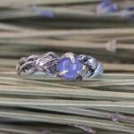 Помолвочное кольцо с танзанитом