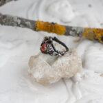 Фэнтезийное кольцо с солнечным камнем