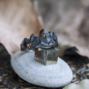 Фактурное серебряное кольцо с цитринами
