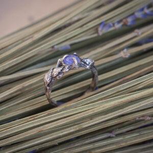 """Тонкое изящное кольцо с танзанитом """"Радху"""". Помолвочное"""