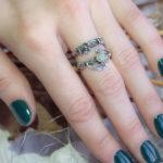 Парные кольца в цветочном стиле