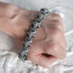 Мужской серебряный браслет с быками «МНЕВИС»