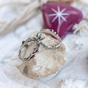 Парные кольца с лунным камнем