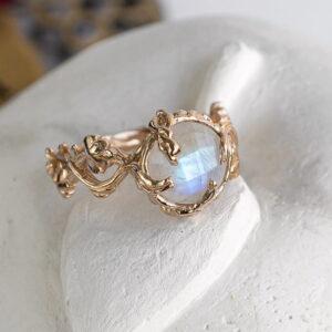 Оригинальное золотое кольцо