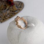 Золотое помолвочное кольцо-веточка