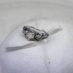 Лесное кольцо с лунным камнем