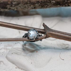 Дизайнерское серебряное кольцо с лунником
