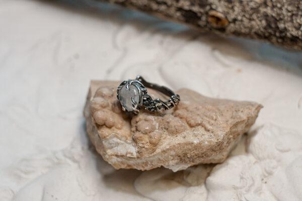Кольцо-веточка из серебра