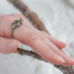 Лесное кольцо с хризолитом