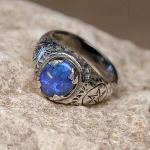 Мужское серебряное кольцо с опалом