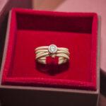 Стильное кольцо с бриллиантом