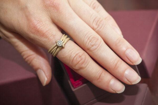 Роскошное золотое кольцо