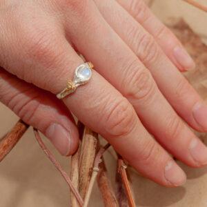 Тонкое серебряное кольцо