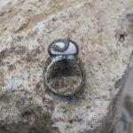 Мужское кольцо с крупным камнем