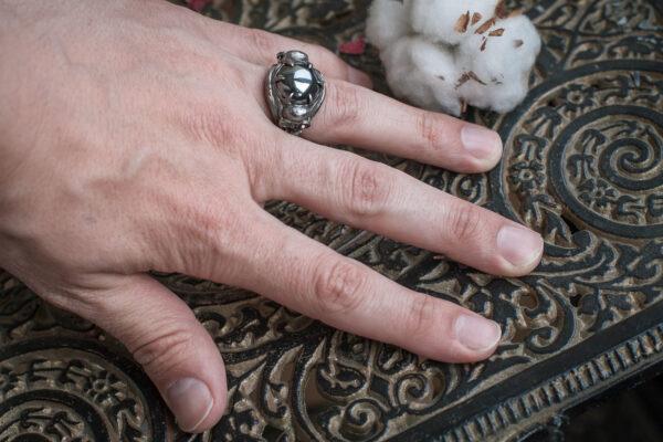 Кольцо в стиле Гигера