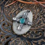 Необычное серебряное кольцо с лунным камнем и позолотой