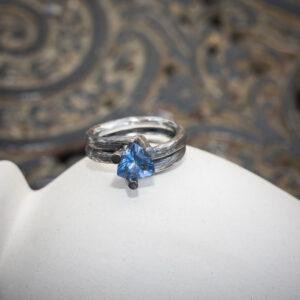 "Серебряное кольцо в стиле контемпорари ""Триллион"""