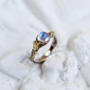 Серебряное кольцо с колокольчиком