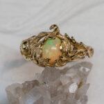 Бронзовое кольцо с опалом