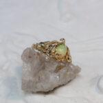 Бронзовое кольцо-веточка с опалом
