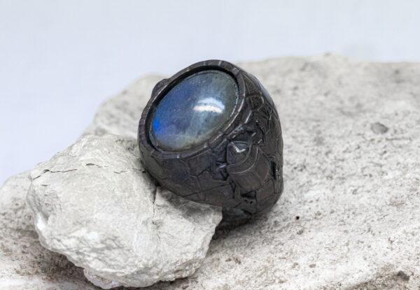 кольцо со скарабеями