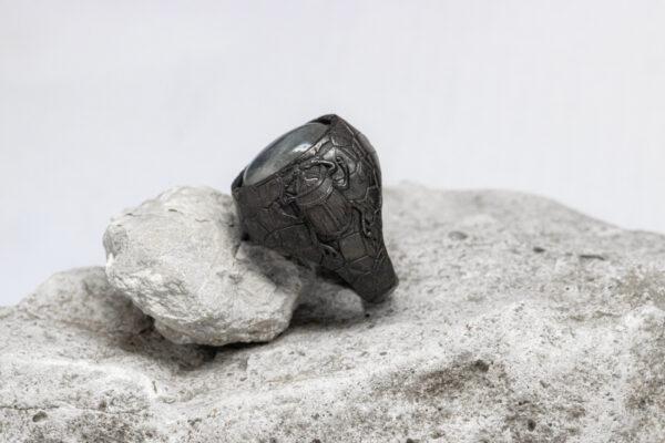 кольцо с фактурой
