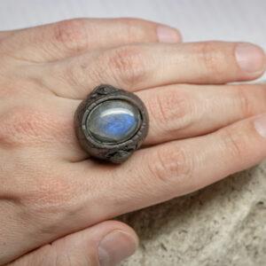 крупный мужской перстень