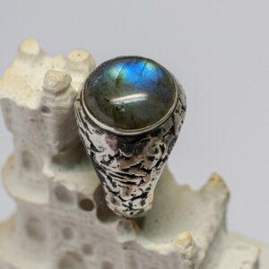 Мужское кольцо с лабрадоритом
