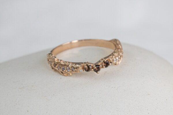 Золотое кольцо с бриллиантами и раухтопазом