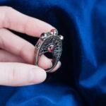 Вечернее кольцо с гранатами