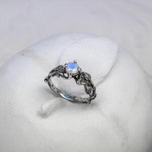 Серебряное кольцо ручной работы