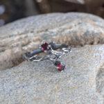 Серебряное кольцо с бирманской шпинелью