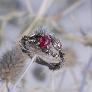 Серебряное кольцо с природным рубином
