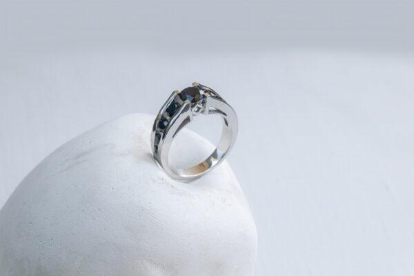 Мужское золотое кольцо в старорусском стиле