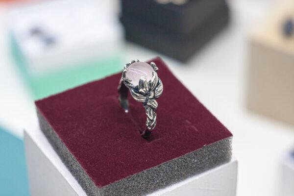 Эльфийское кольцо с розовым кварцем