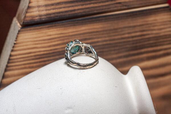 Широкое бронзовое кольцо